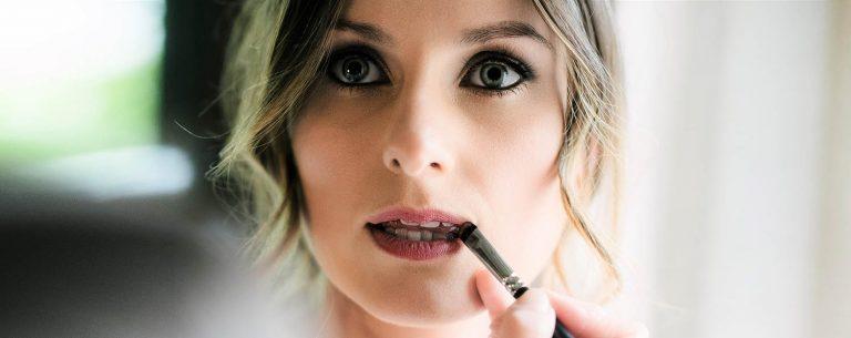 Makeup Lessons, applying lipstick
