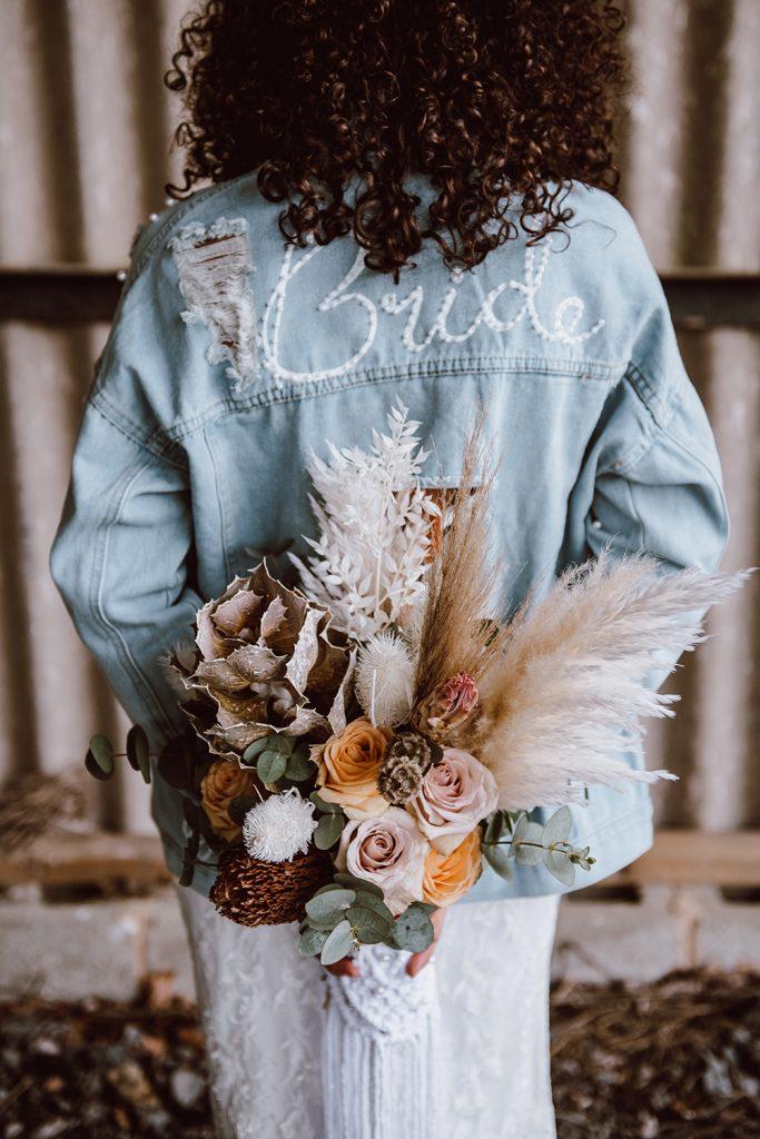 Jessica Bevan Photography Bride - bride and bouquet