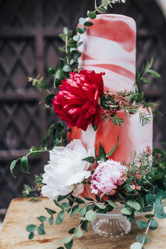 red detailed wedding cake