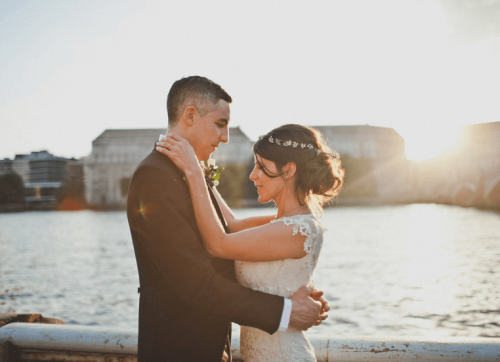Bride and groom london sunset